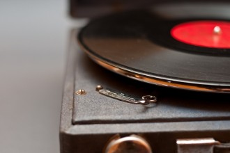 vintage-record-players-2